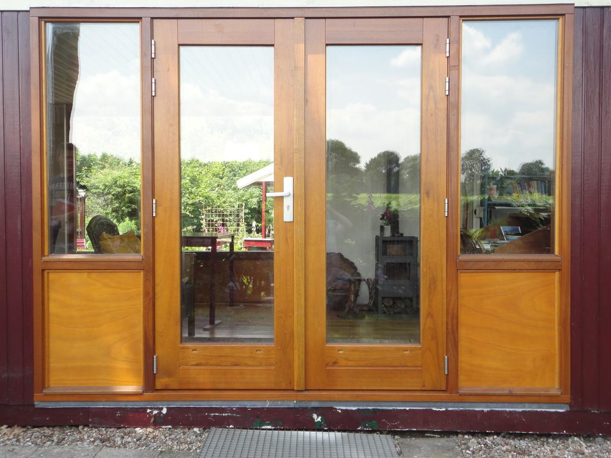 Kozijn met dubbele deuren lakwerk Putten