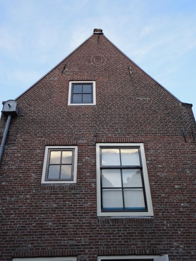 Bestaande ramen in nieuwe kozijnen Nieuwstraat Zwolle