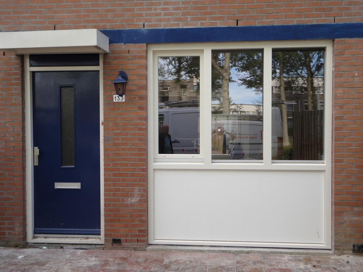 Draaikiepkozijn met trespa paneel Saxofoonweg Almere