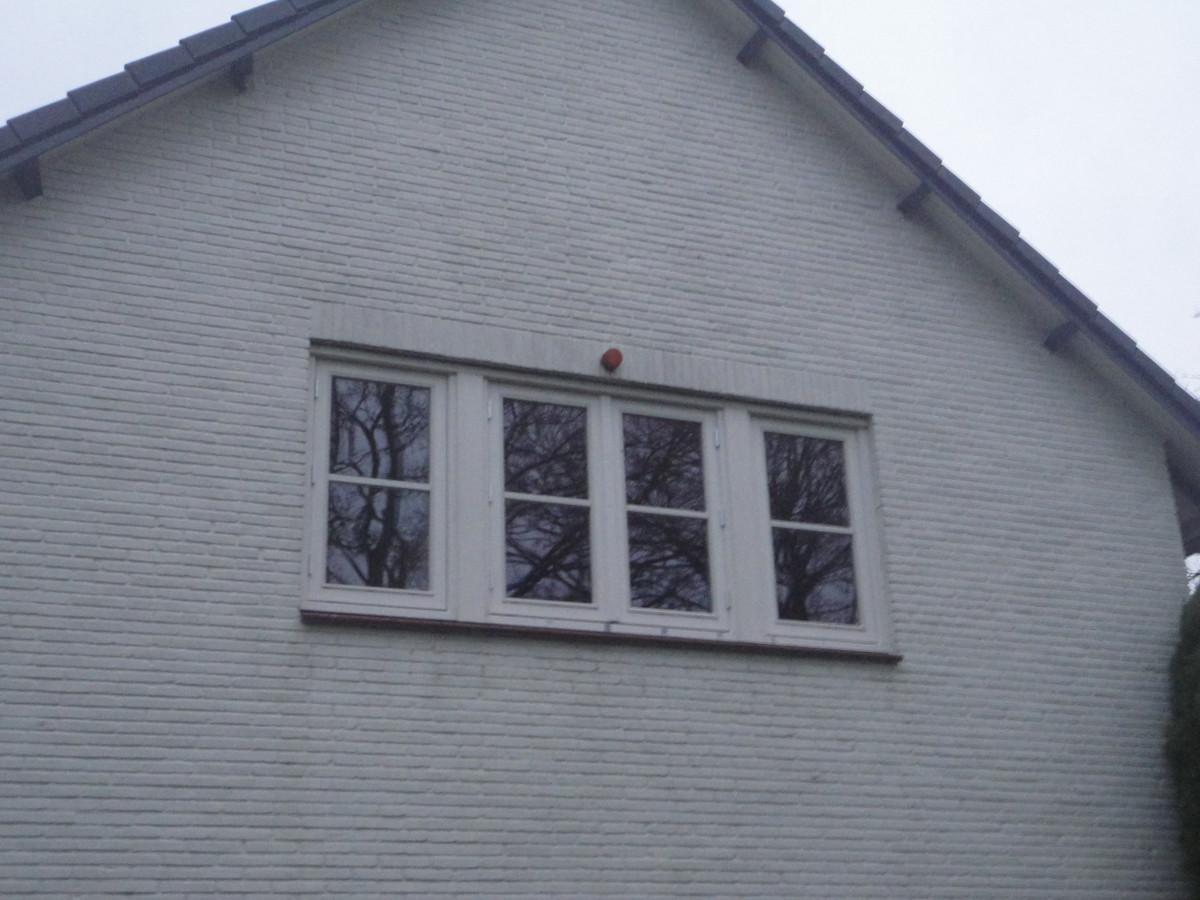 Kozijn met 4 ramen(stolpstel) Driftlaan Blaricum