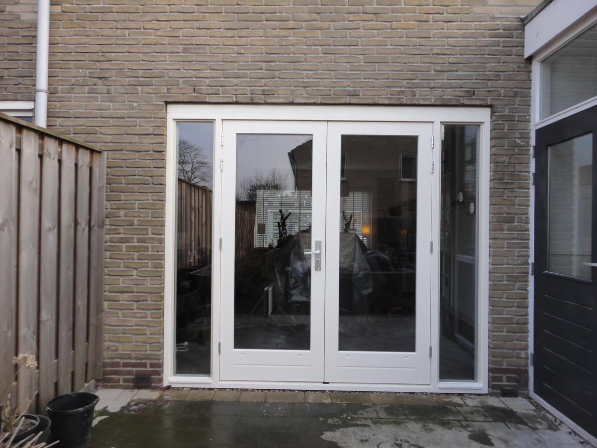 Kozijn met dubbele deuren en zijlichten Piet Heinlaan Hilversum