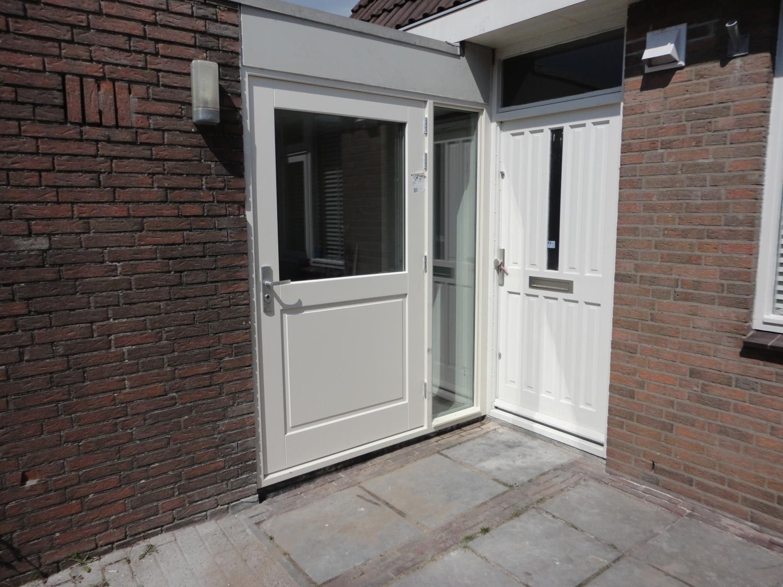 Nieuwe kozijnen met deuren Kamp Lelystad