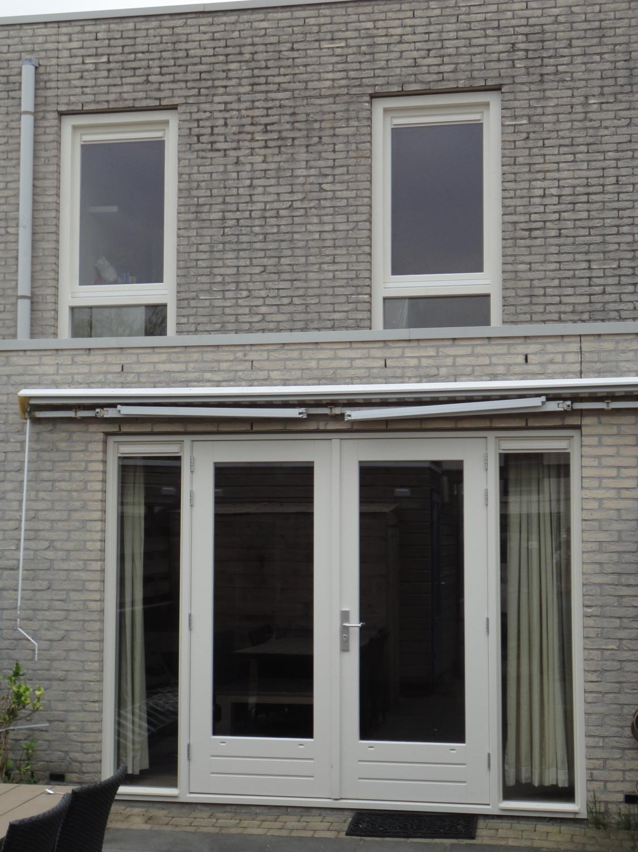 Nieuwe kozijnen achtergevel Terschellingstraat Almere