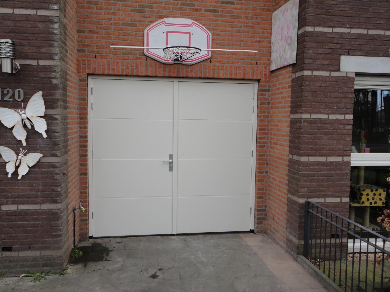 Garagedeur vervangen door 2 dichte openslaande deuren Laakboulevard Amersfoort