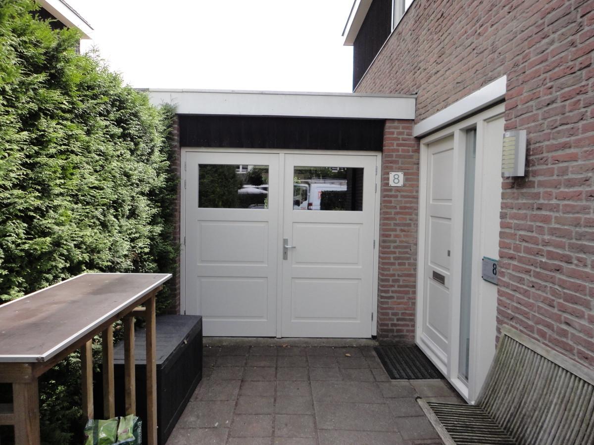Garagedeuren en voordeur Blei Blaricum