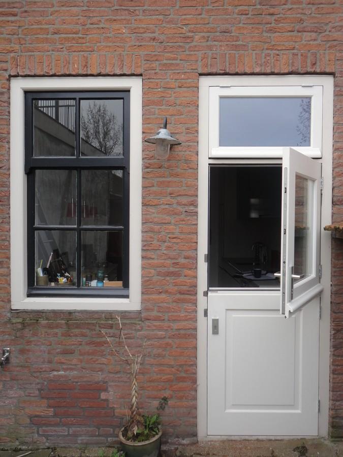 Deur bestaande uit 2 delen Vischmarkt Harderwijk