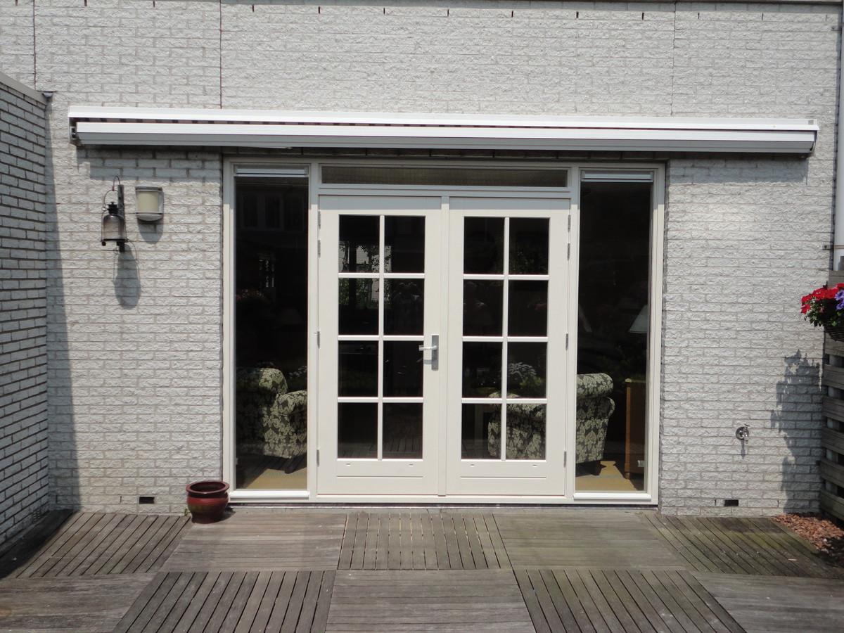 Kozijn met dubbele deuren en roedes Couperusweg Almere