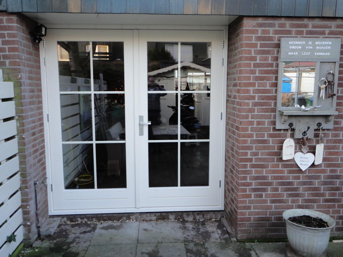 Kozijn met dubbele deuren met roeden  Hooiland Urk