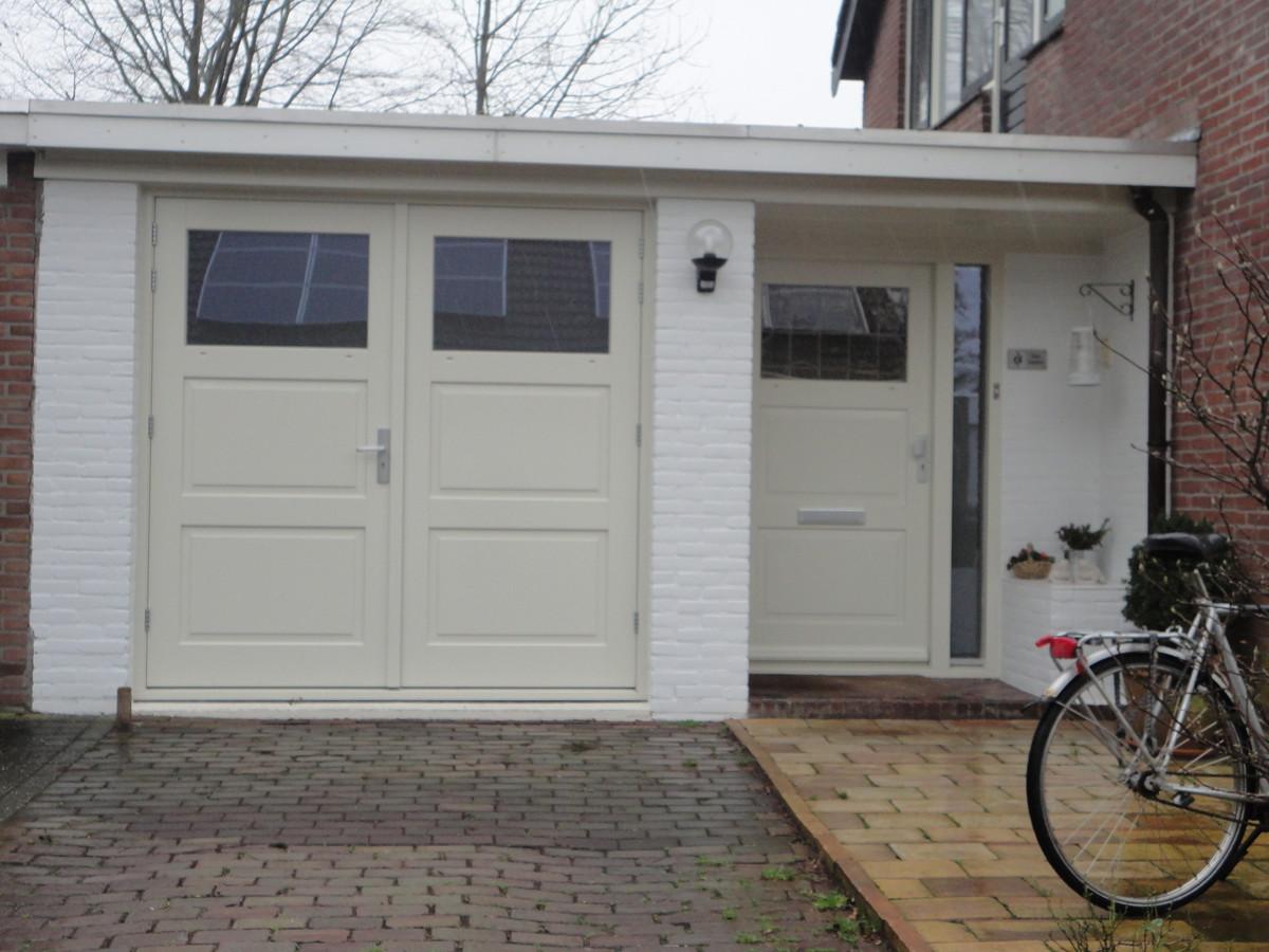 Kozijn met dubbele deuren en voordeurkozijn Buitenplaats Lelystad