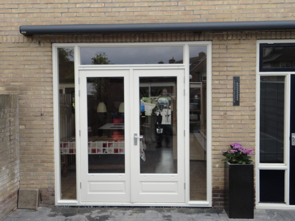 Kozijn met dubbele deuren Nic. Beetsstraat Putten