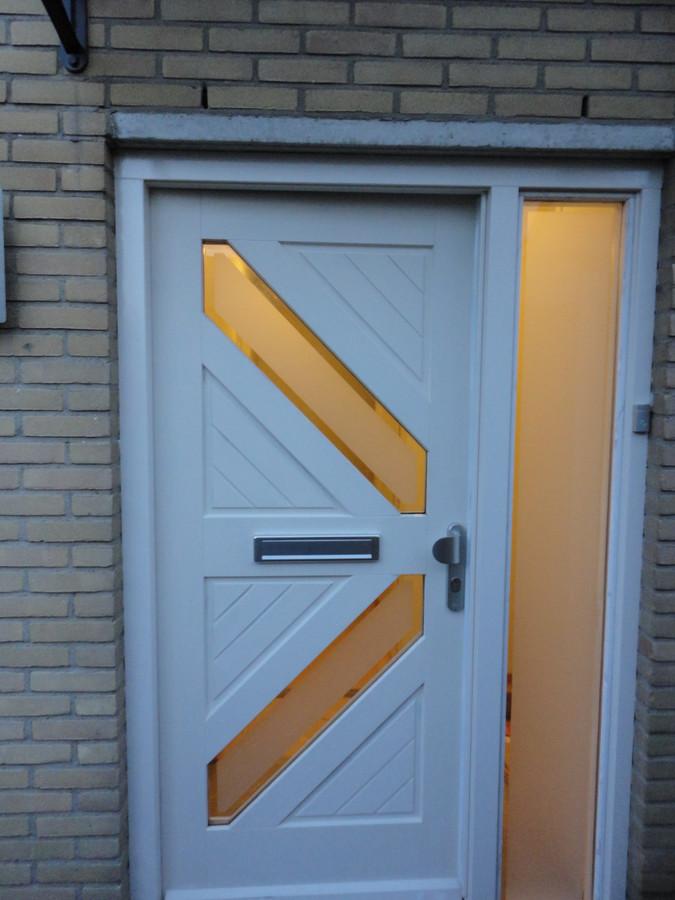 Voordeur en vast glasstrook in bestaand kozijn Zwartezeestraat Lelystad