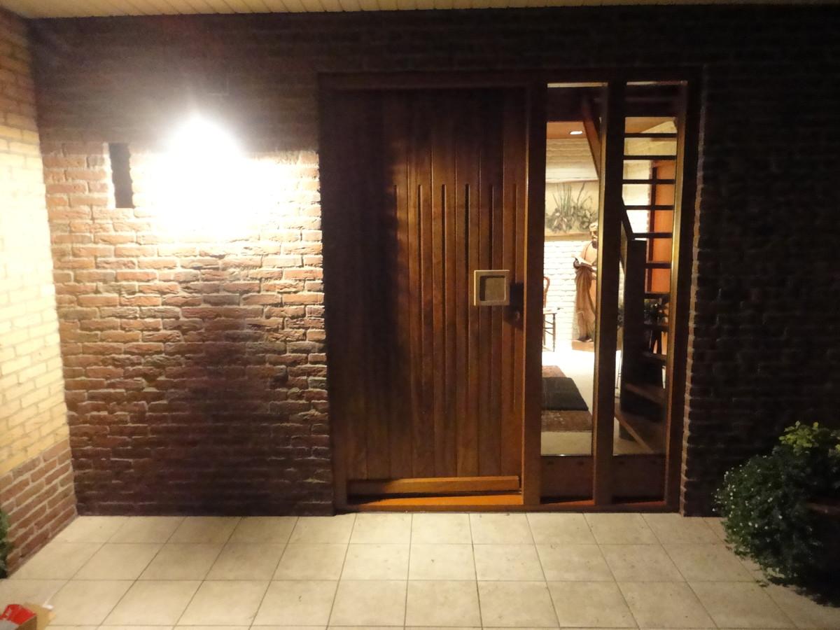 Voordeurkozijn met teak voordeur Hortensialaan Ermelo
